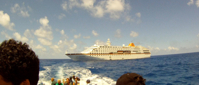 Pitcairn Island, Big Flower - Sailing away from the cruise ship