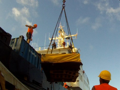 Unloading the supply ship at Pitcairn Island